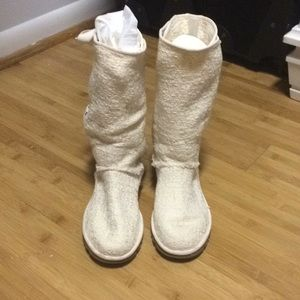 Heirloom Uggs Creme / Cream lace-up back Ugg Boots